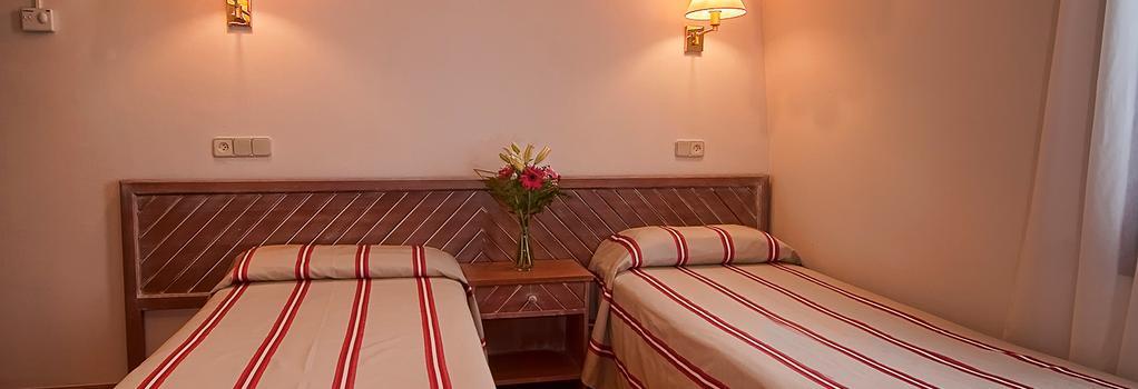 Apartamentos Carlos V - Alcudia - Bedroom