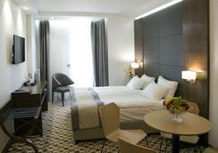 Central Hotel - Sofia - Bedroom