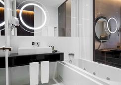 BessaHotel Liberdade - Lisbon - Bathroom