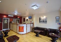 Lucky 8 Hotel - Ilford - Lobby