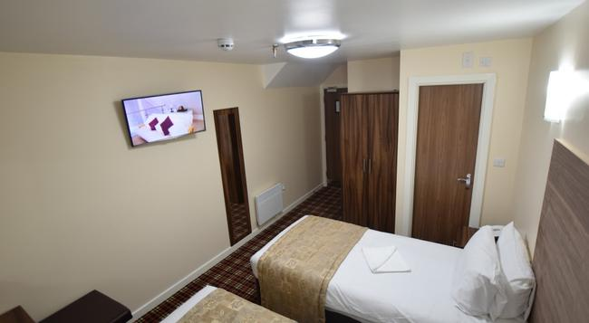 Lucky 8 Hotel - Ilford - Bedroom