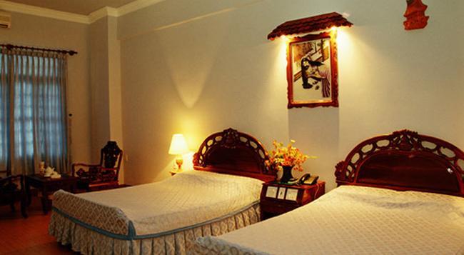 Ca Ty Hotel - Phan Thiet - Bedroom