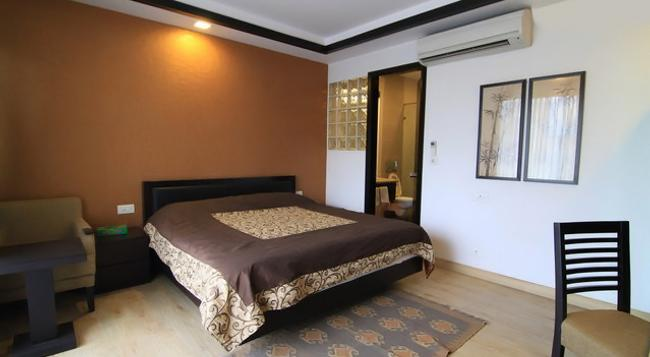 Rainbow Residency - New Delhi - Bedroom