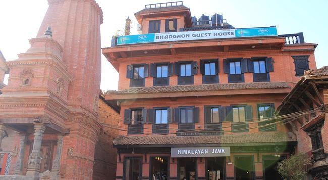 Bhadgaon Guest House - Bhaktapur - Building