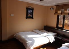 Bhadgaon Guest House - Bhaktapur - Bedroom