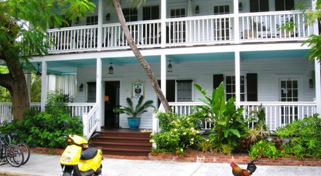 Frances Street Bottle Inn - Key West - Building
