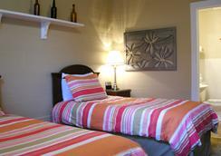 Frances Street Bottle Inn - Key West - Bedroom