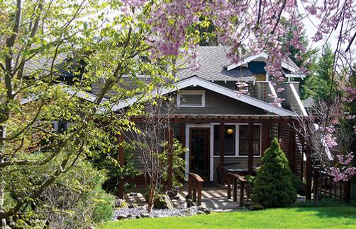 A Cowslip's Belle-Bed & Breakfast - Ashland - Building