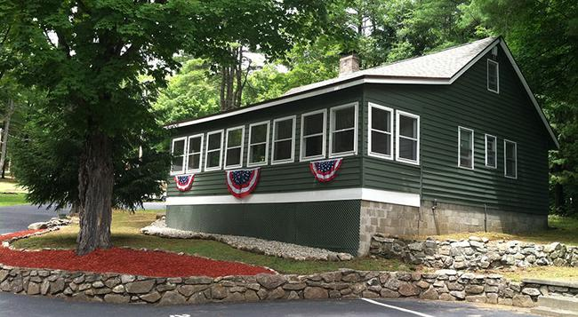 Forest Hill Lodge & Cabins - Lake George - Building