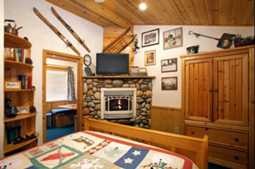 Fireside Lodge Bed and Breakfast - South Lake Tahoe - Bedroom