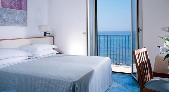 Hotel Amyclae - Sperlonga - Bedroom