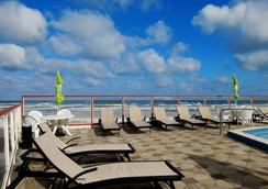 Roomba Inn & Suites - Daytona Beach - Pool
