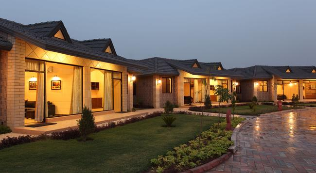 Shri Radha Brij Vasundhara Resort & Spa - Mathura - Building