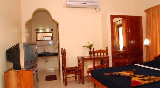 Hotel Sea View Palace - Kovalam - Bedroom