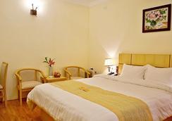 Santa Hotel I - Hanoi - Bedroom
