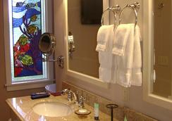 The Hibiscus House Bed & Breakfast - Fort Myers - Bathroom