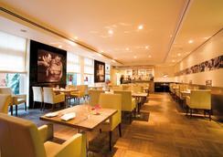 Derag Livinghotel Prinzessin Elisabeth - Munich - Restaurant