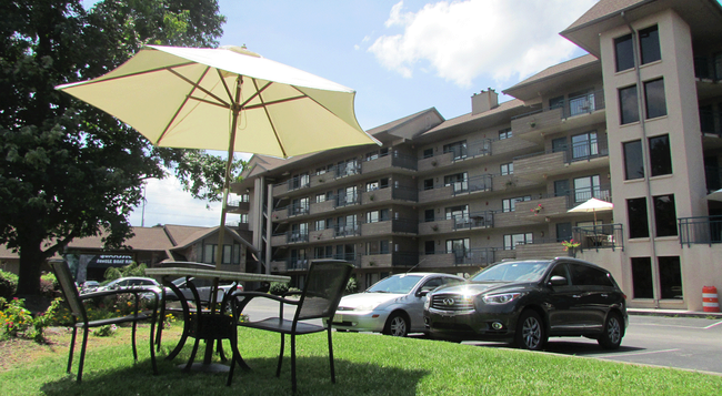 Arbors at Island Landing Hotel & Suites - Pigeon Forge - Building