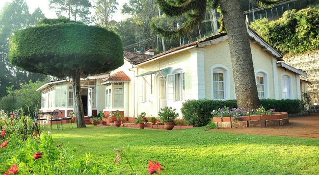 Wyoming Heritage Hotel - Ooty - Outdoor view