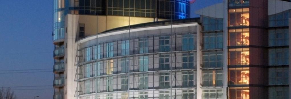 DoubleTree by Hilton London Excel - London - Building