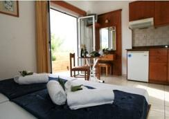 Danelis Studios and Apartments - Malia - Bedroom