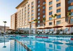Courtyard by Marriott Irvine Spectrum - Irvine - Pool