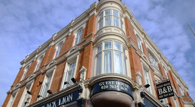 The Black Lion - London - Building