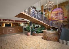 Ramada Hollywood Downtown - Hollywood - Lobby