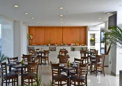 Misión Express Monterrey Aeropuerto La Fe - Monterrey - Restaurant