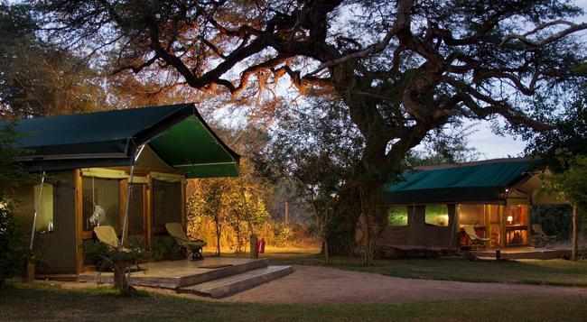 Elephant Valley Lodge - Kasane - Building