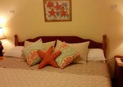 Ocean Tide Beach Resort - San Pedro Town - Bedroom