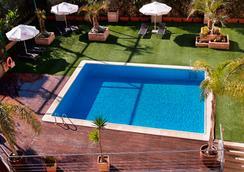 Tryp Valencia Feria - Valencia - Pool