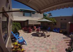 Sun Beach Inn - Hollywood - Outdoor view