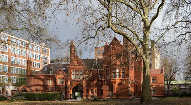 St Paul's Hotel - London - Building