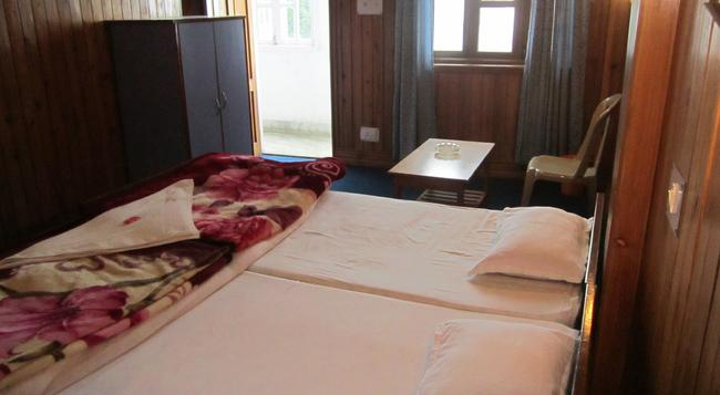 Himalaya Inn - Kalimpong - Bedroom