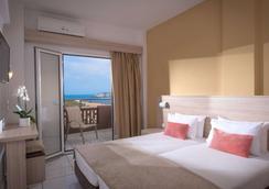 Blue Bay Resort Hotel - Agia Pelagia (Malevizi) - Bedroom