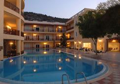 Cactus Beach Hotel - Stalida - Pool
