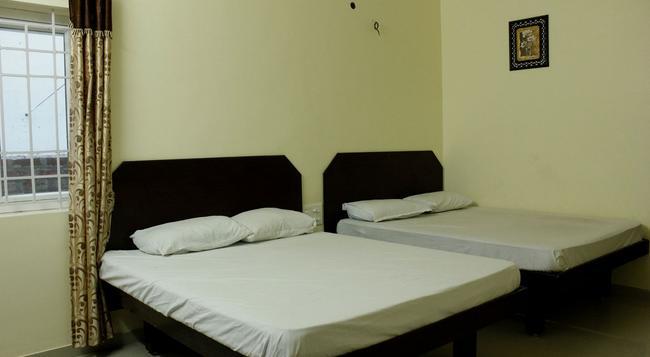 Sasti Lodge - Palani - Bedroom