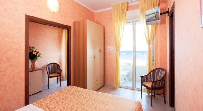 Hotel Caesar - Cesenatico - Bedroom