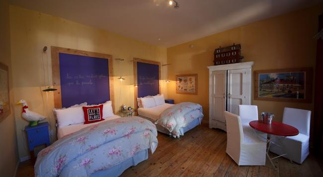 Metro Hotel and Cafe - Petaluma - Bedroom