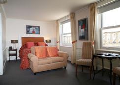 Lord Milner - London - Bedroom