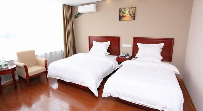 Greentree Inn Nantong Rugao Port Bus Station Business Hotel - Rugao - Bedroom
