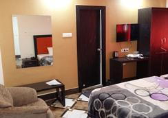 Hotel Rajkamal - Deoghar - Bedroom