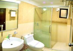 Hotel Royal Palm - Udaipur - Bathroom