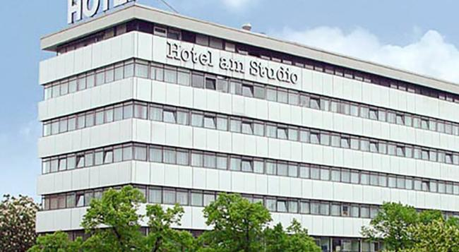 Concorde Hotel am Studio - Berlin - Building