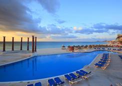 Krystal Cancun - Cancun - Pool