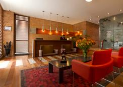 84dc Hotel - Bogotá - Lobby