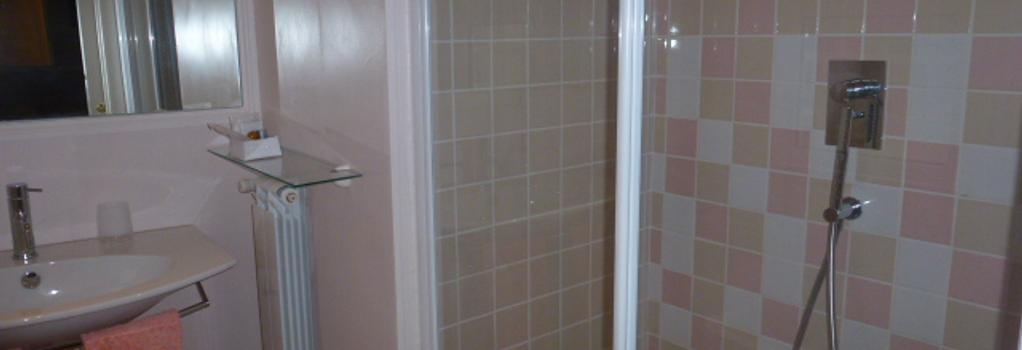 Rose in Rome Suites - Rome - Bathroom