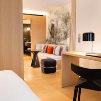Le Cinq Codet Guestroom