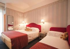 Hotel Adlon - Riccione - Bedroom